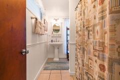 Lanikai-Garden-Studio-Bathroom