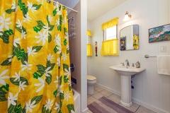 Lanikai-Treehouse-1-2-Bedroom-Bathroom