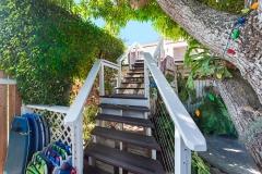 Lanikai-Treehouse-1-2-Bedroom-Stairs-Up