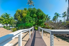 Lanikai-Treehouse-1-2-Bedroom-Walkway