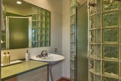 Guest Room 2 - Bath